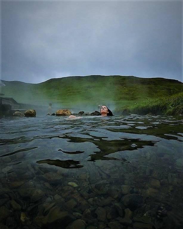 Iceland hot spring syd.jpg