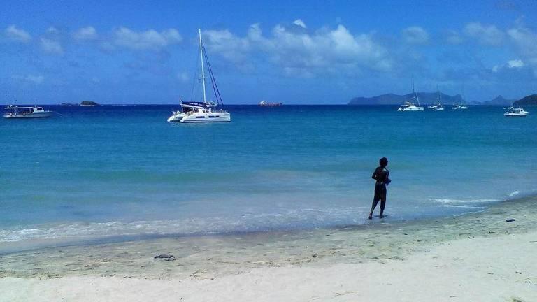 Beach_2.jpg